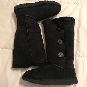 GUC UGG Australia Black sheepskin Boots 3 button
